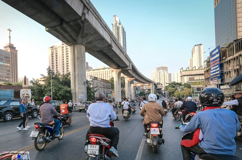 Suthep and PDRC members riding motorcycles in Bangkok