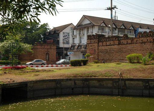 Saen Rung gate in Chiang Mai