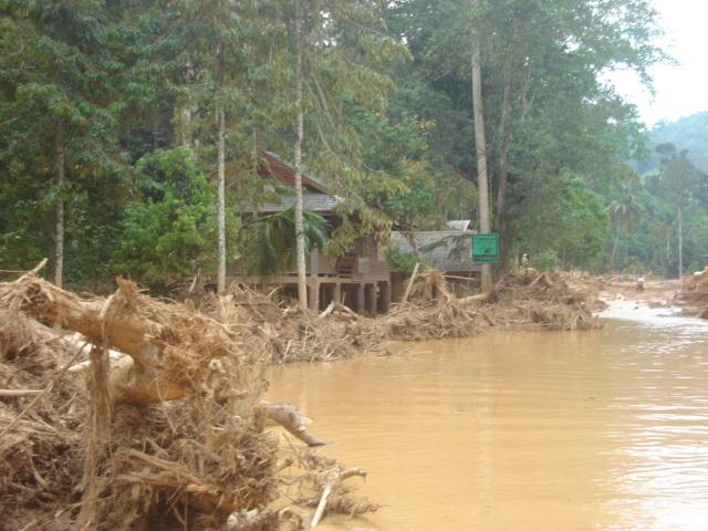 2006 floods in Laplae