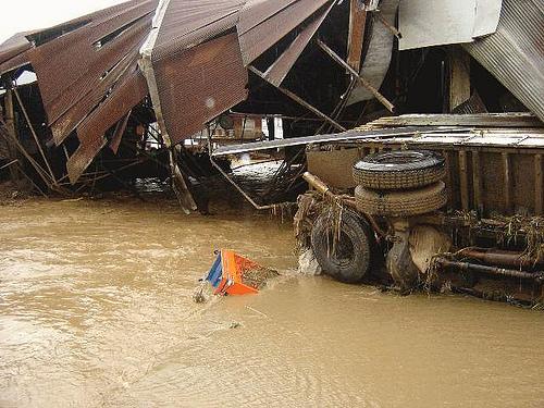 Flash flood hits Chiang Rai's Mae Sai