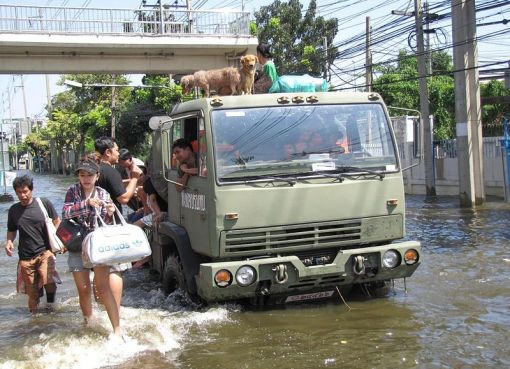 FMTV in use with the Thai armed forces during the floods of 2011