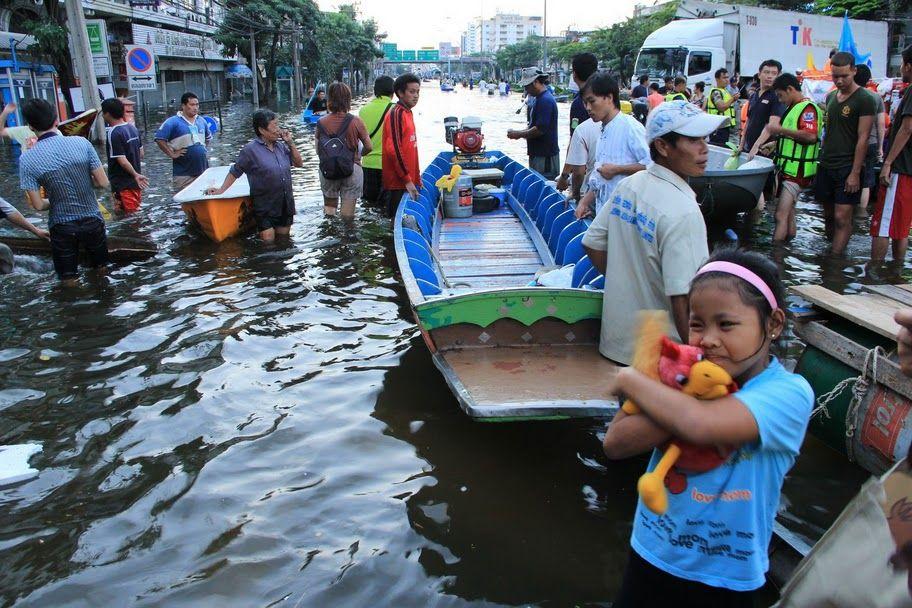 Floods at Thon Buri bridge in Bangkok