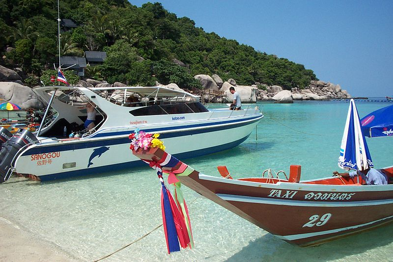 Speedboat and longtail boat in Koh Tao