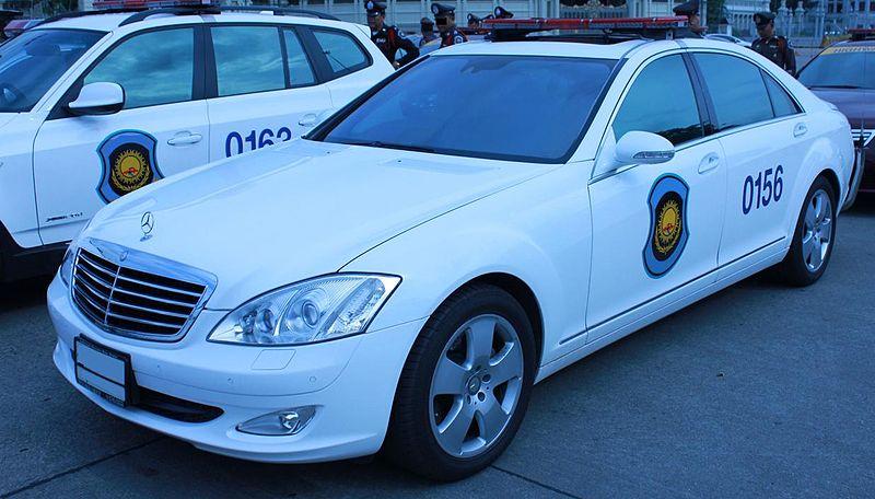 Mercedes-Benz S-350 police car in Bangkok