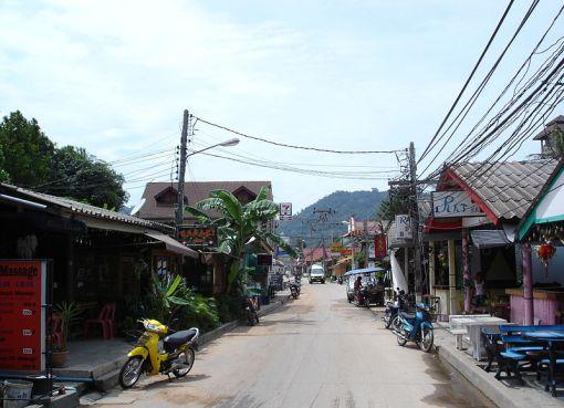 Street in Koh Samui Lamai beach