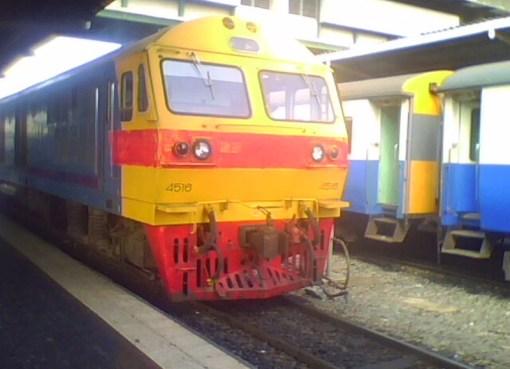 Hitachi Diesel-Electric Locomotive at Bangkok Railway Station