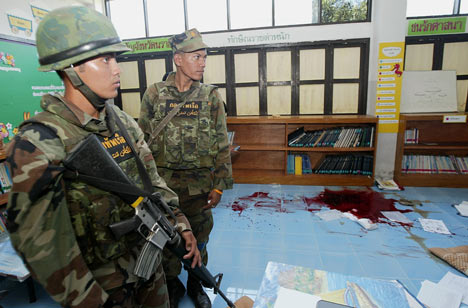 Three Buddhist teachers were shot dead in southern Thailand.