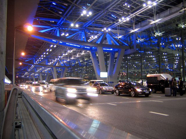 Limousine employee nabbed for theft at airport