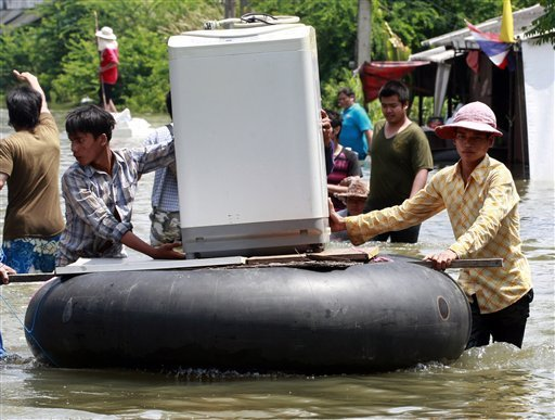 Floods continue to hit Thailand's South