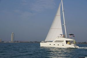 Aft Mast Rig on Catamaran Made In Thailand RB Power & Sailing Model HK-40