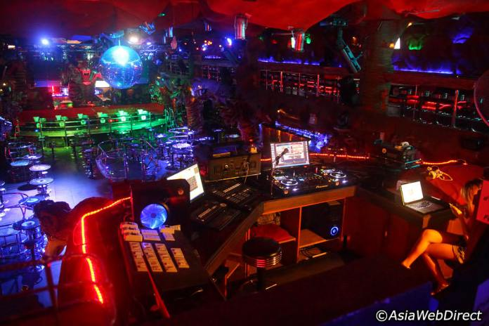 tiger-disco-dj-booth-view