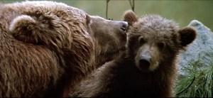 映画『子熊物語』の一場面