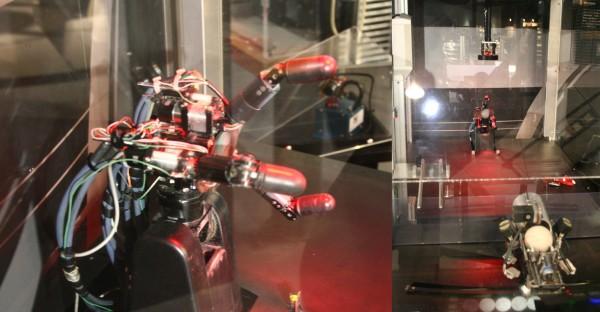 มือหุ่นยนต์ความเร็วสูง