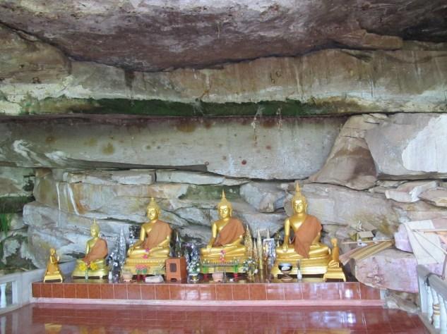 Wat Tham Pet