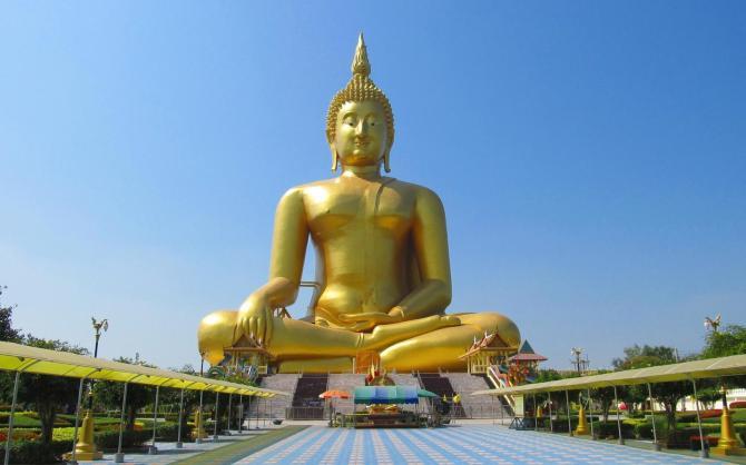 Největší Buddha v Thajsku - Wat Muang