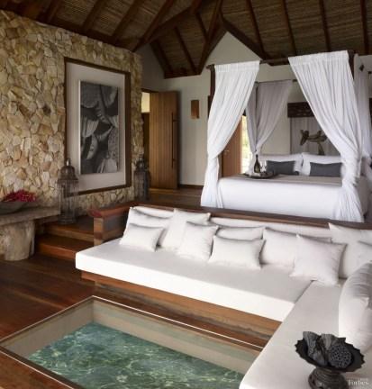 Villa s prosklenou podlahou Song Saa Kambodža