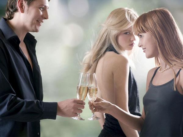 Ly hôn vì phát hiện hiện chồng ngoại tình với em họ