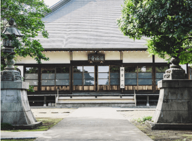 Tokyo temple Yoga