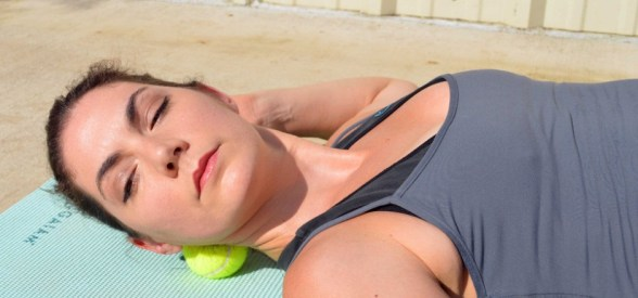 إستخدام كرة التنس في تخفيف ألم العضلات 17
