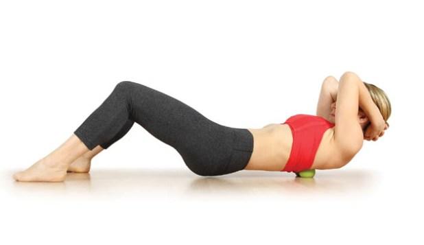 إستخدام كرة التنس في تخفيف ألم العضلات 9