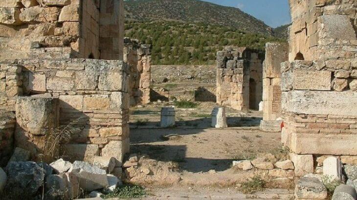 تفسير رؤية القبور وزيارة المقابر في المنام