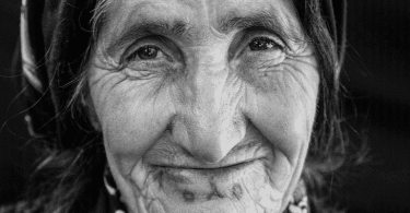 تفسير رؤية الجد او الجدة المتوفية في المنام ومعناه