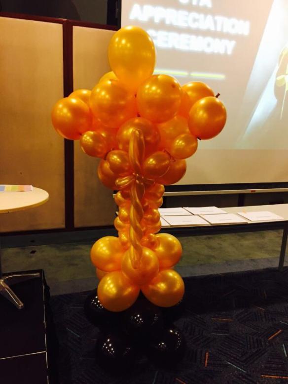Oscar Balloon Sculpture