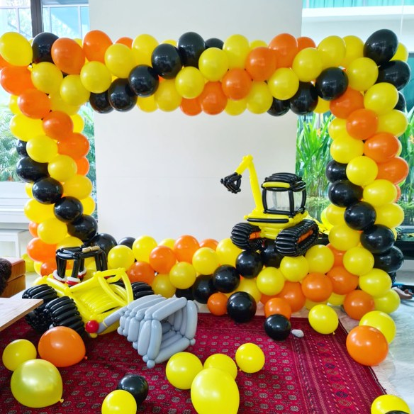 Balloon Photoframe Decoration Contruction Theme