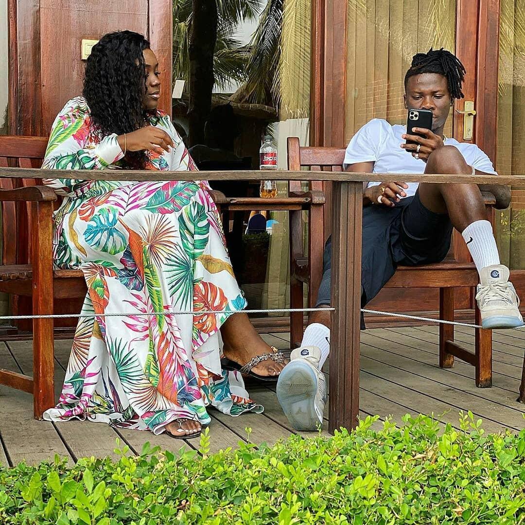 Stonebwoy Spoils Wife With A Special Treat At Aqua Safari Resort
