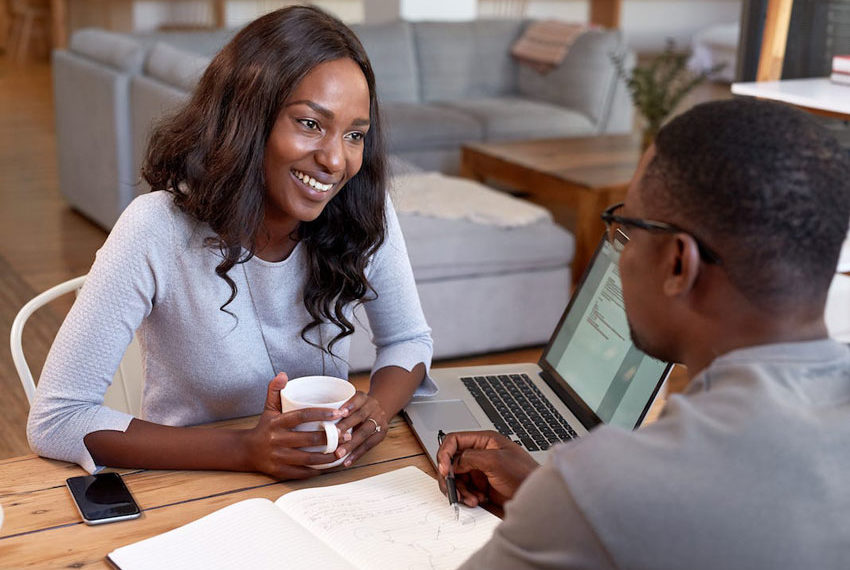 Signs that your boss may be in love with you and wants to have a piece of you