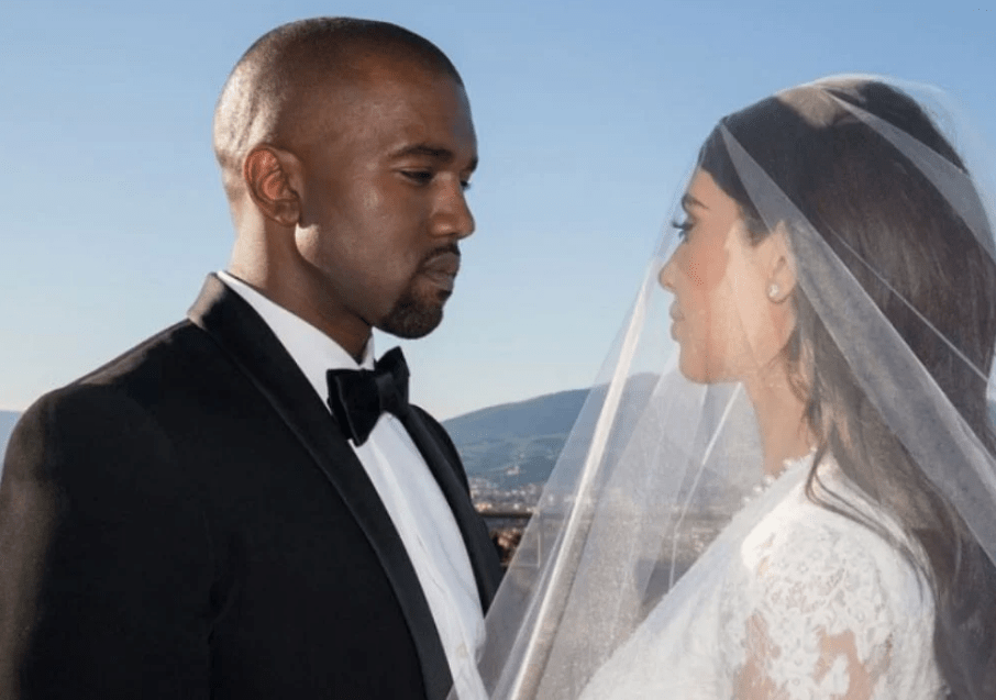 Kim Kardashian files for divorce after almost seven years of chewing Kanye West's Dick , Kim Kardashian Decides to Divorce Bipolar Sick Kanye West