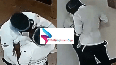 Two bread sellers caught on camera chopping themselves