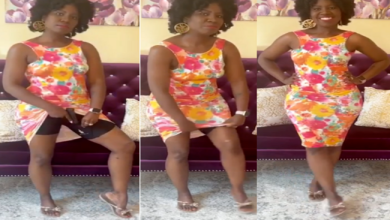 A beautiful lady with a curvy figure shows how she hides a gun between her thighs – Is this the trick that KANGOGO is using? (VIDEO).