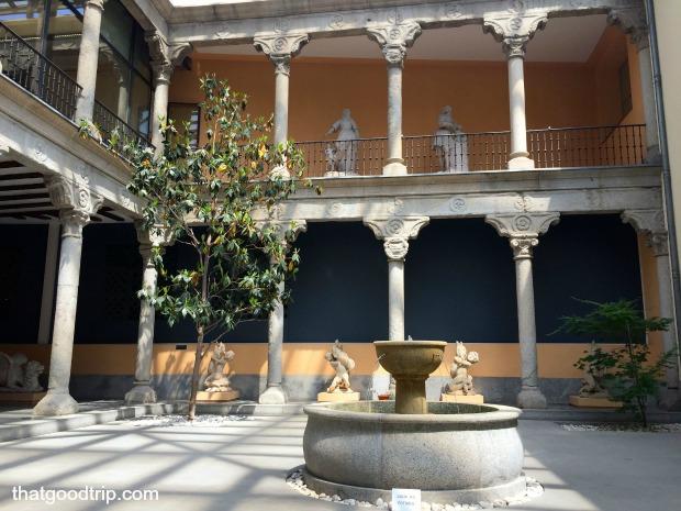 Patio interior museu San Isidro madrid