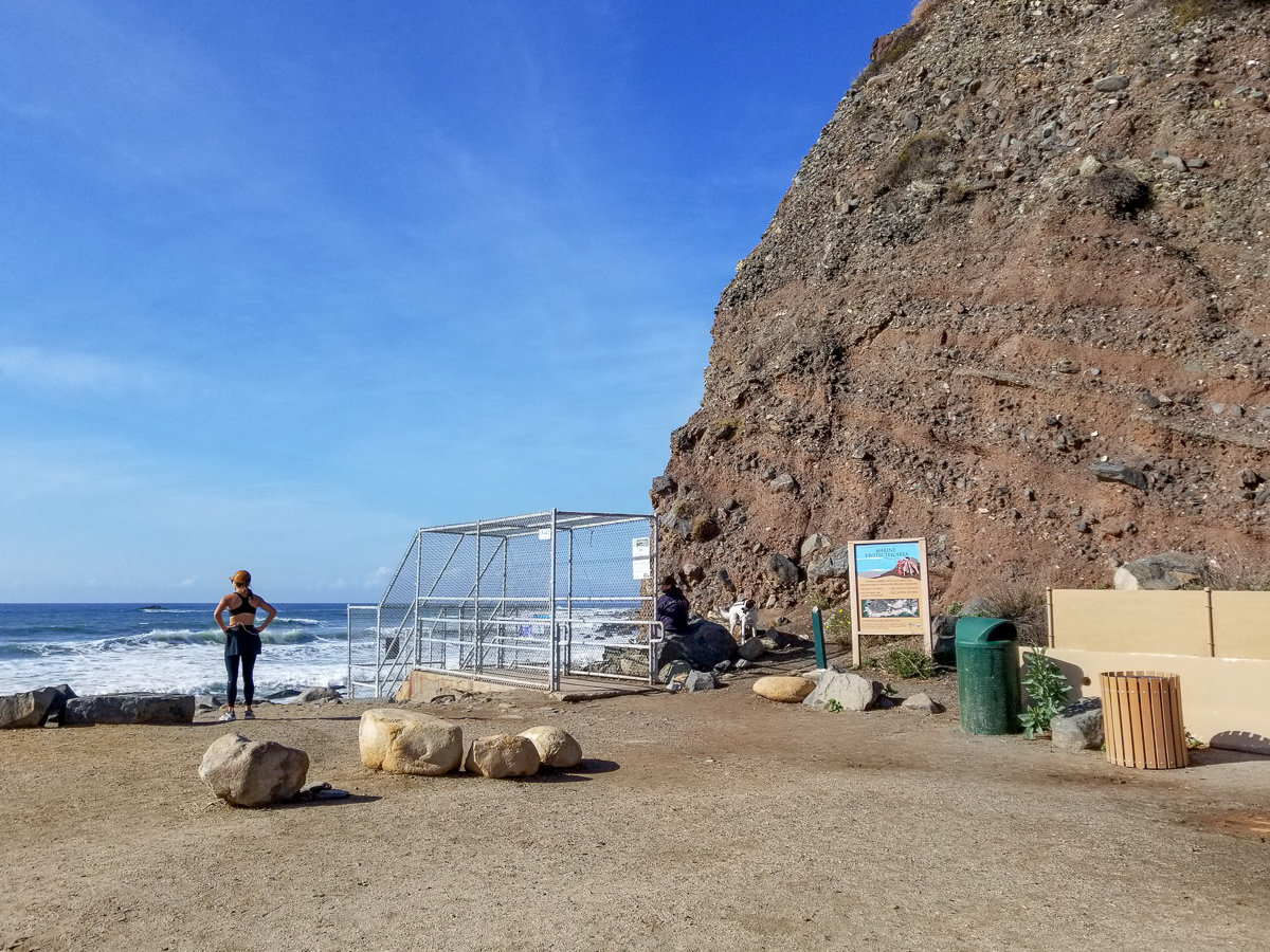 Trailhead for the Dana Point Sea Cave hike