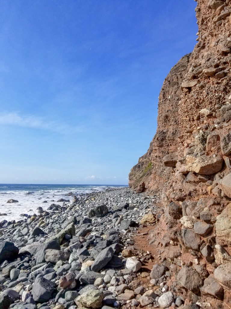 The trail along the cliff to the Sea Cave