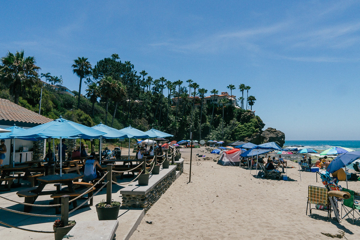 The Lost Pier Cafe on Aliso Beach has food and drinks, including alcohol.