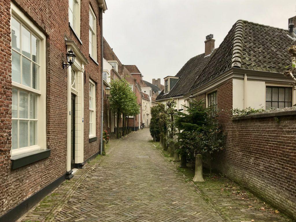 de Muurhuizen, Nederland