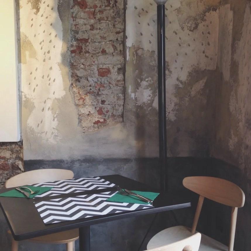 INGRIDESIGN Buns Monza interior table