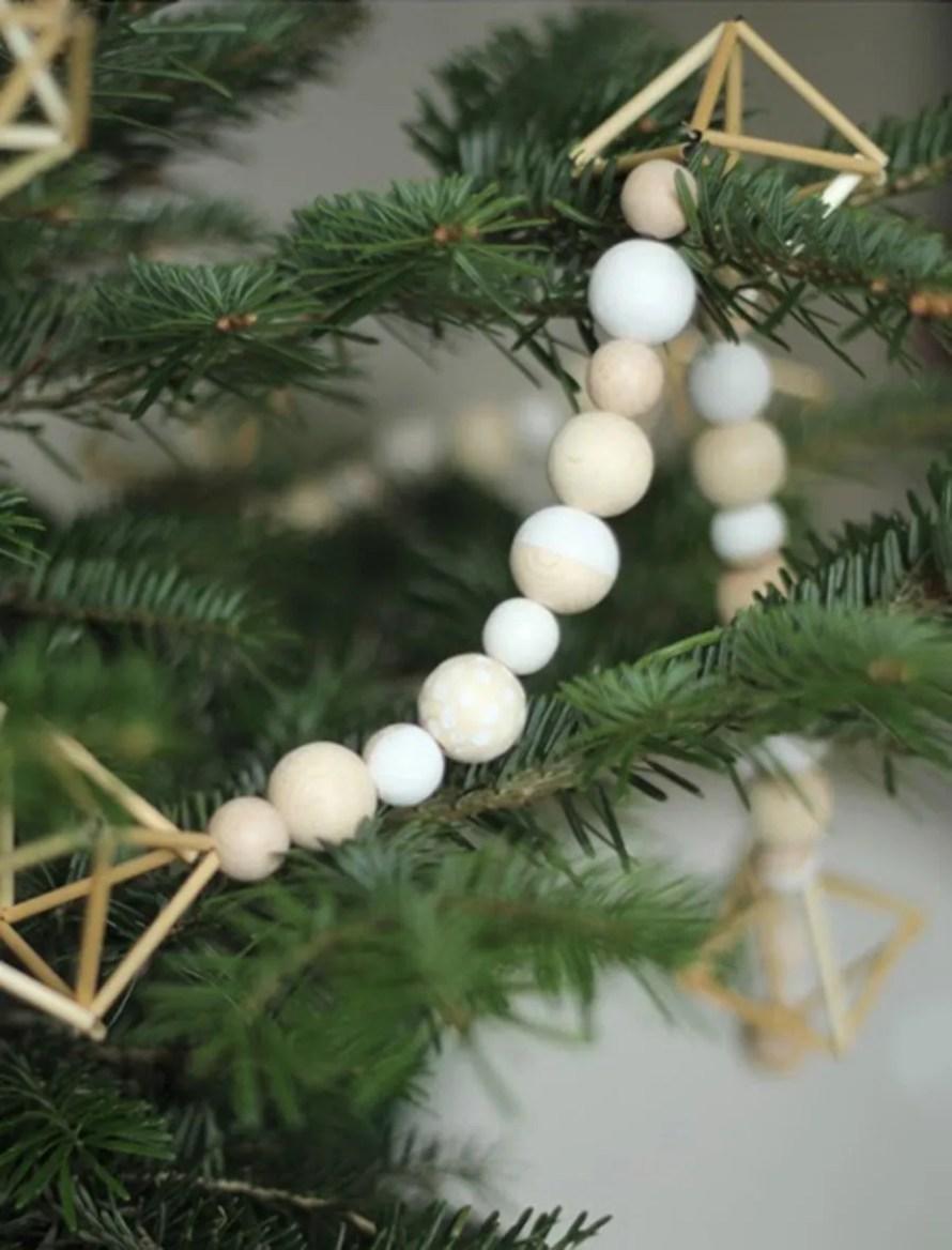 scandinavian_christmas_idea_garland_wood_diy_tree_natural