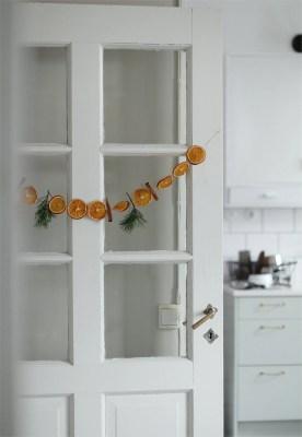 ThatScandinavianfeeling christmas natural hanging oranges scaled
