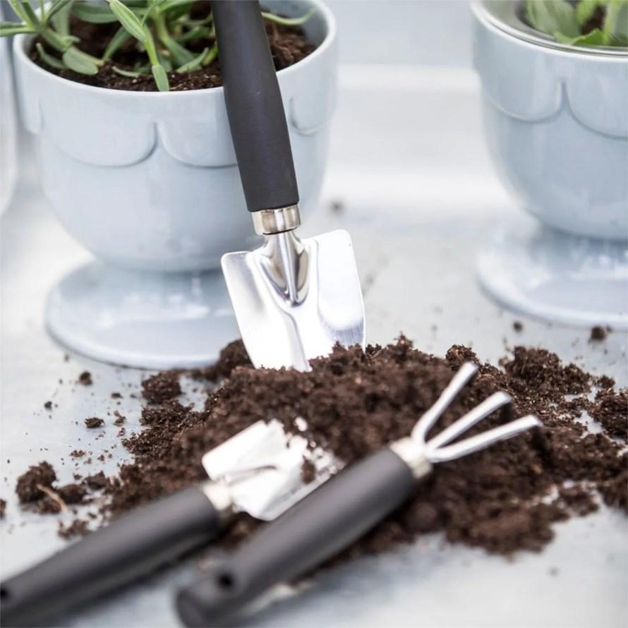 scandinavianfeeling gardening tools sagaform