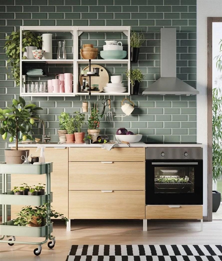 scandinavian-interior-decor-tips-ikea-kitchen-open-shelves