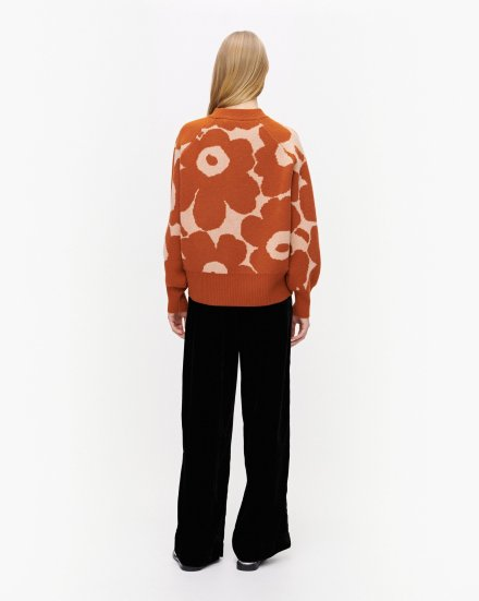 cozy-jumper_marimekko-scandinavina-style-fashion-autumn-nordic