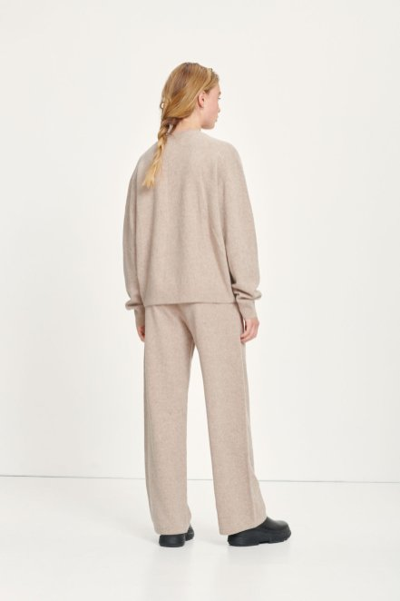 cozy-loungewear-scandinavina-style-fashion-autumn-nordic