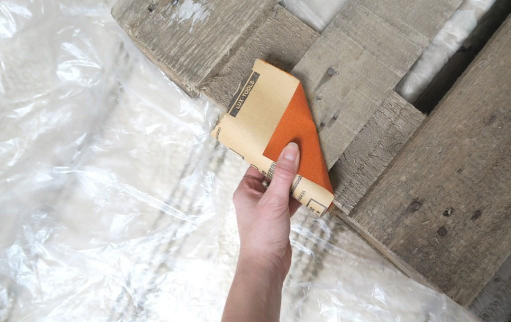 Palettenbett selbermachen und abschleifen