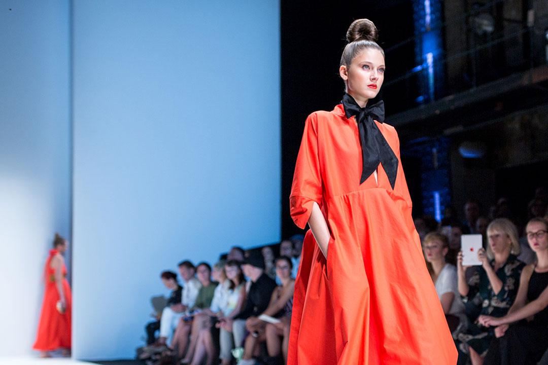 Beauty-trends-fashionweeek-Herbst-thatslifeberlin-High Chignon
