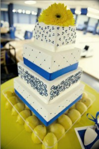 Blue-and-yellow-utah-wedding-cake