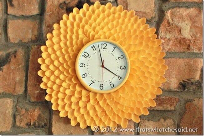 Plastic Spoon Flower Clock