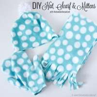 DIY Hat, Scarf & Mittens Tutorial